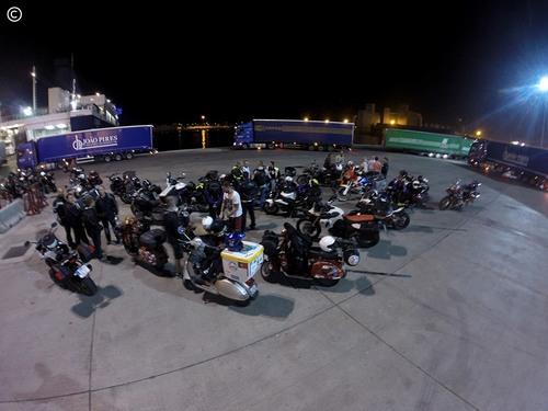 From Lisbon to Croatia - dia 3 - Barcelona - à espera da ordem de entrada no ferry para Savona