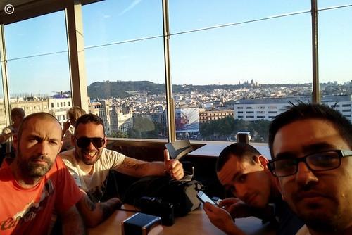 From Lisbon to Croatia - dia 3 - Barcelona - cañas com vista para a Plaça de Catalunya